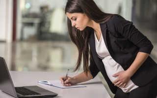 Входит и считается ли декретный отпуск в трудовой стаж